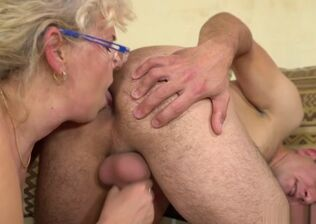 Grannie deep throat photos